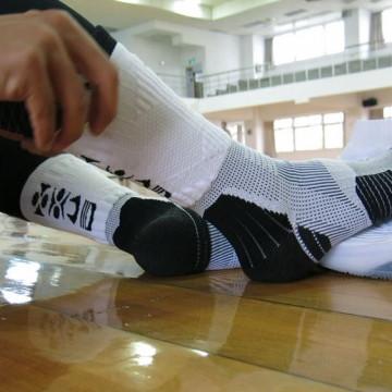 P84I長筒繃帶機能籃球襪實測 bySneaker Review 2.0 Leon