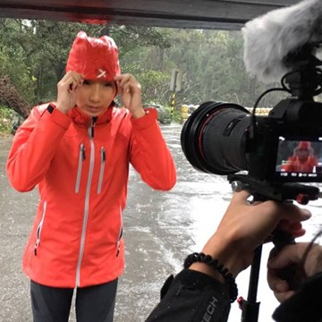 一支完美的RainStorm極致防水保暖外套系列 正式開拍了!