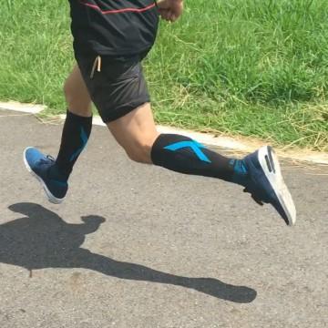 『超認真實測』 CCS-1分段式加壓小腿套穿了再上,真的有差!!