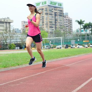【評測】為跑而生 奮力向前 EXGtech 2X 穩定壓縮踝襪