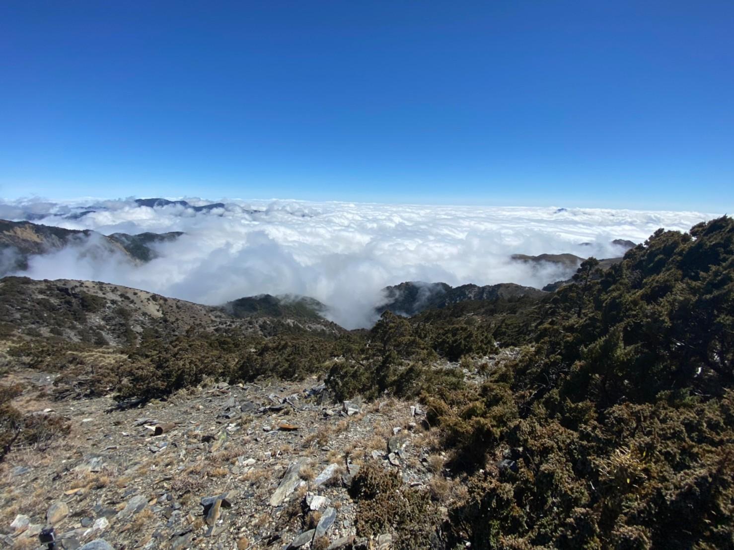 秀姑巒山的景色十分壯麗