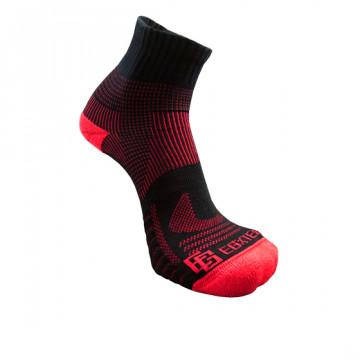 《8字繃帶》P82 中統多功8字繃帶運動襪(黑/紅)-S號