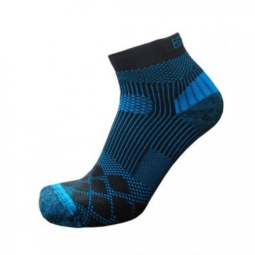《8字繃帶》P82 PLUS中統多功8字繃帶運動襪(黑/藍)